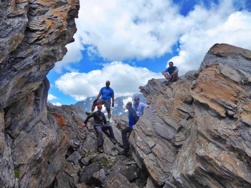 Al Mont Crammont con fantastica vista sul Monte Bianco. Con: Federico Gilardi, Federico Amanzio, Giogio Pia, Gianluca Gariazzo, Matteo Gariazzo, Alessandra Longo.